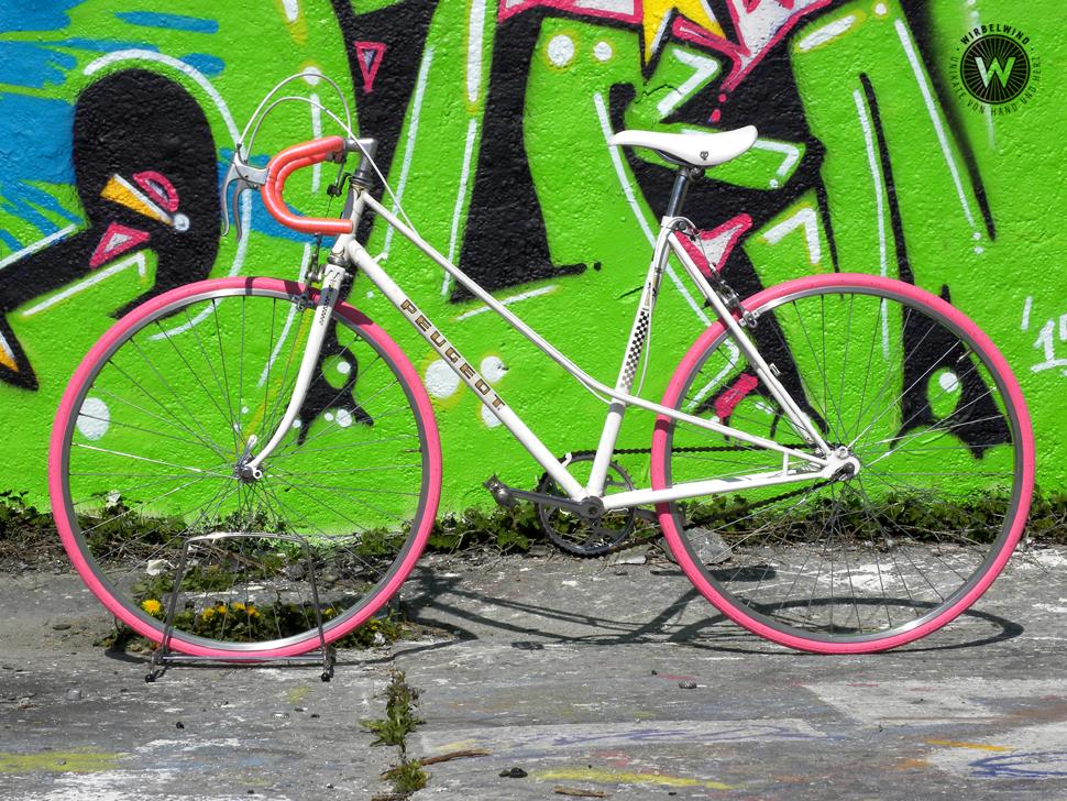 Peugeot Pink Weiss Der Wirbelwind