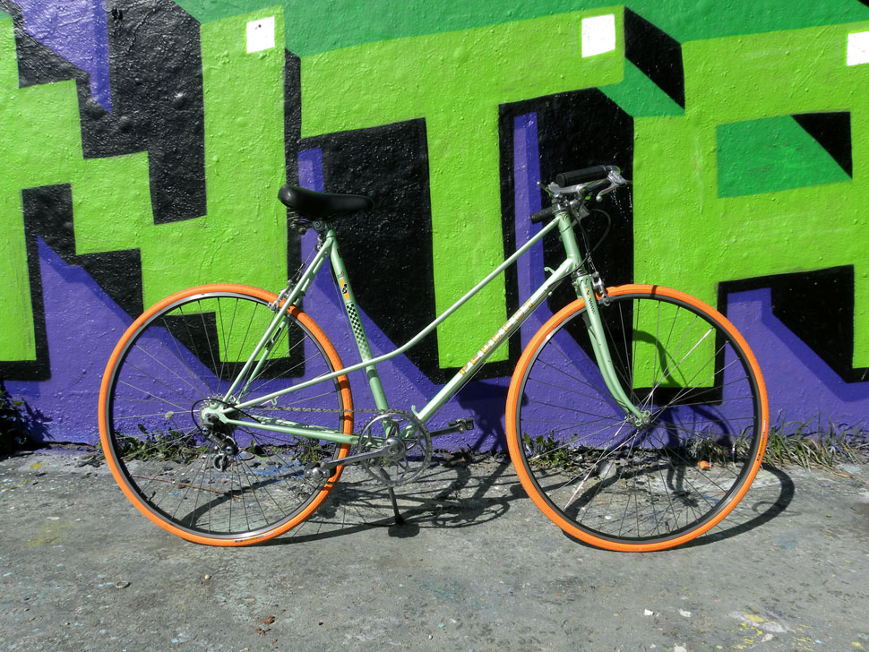 BildQuer_Peugeot_mint_orange_4